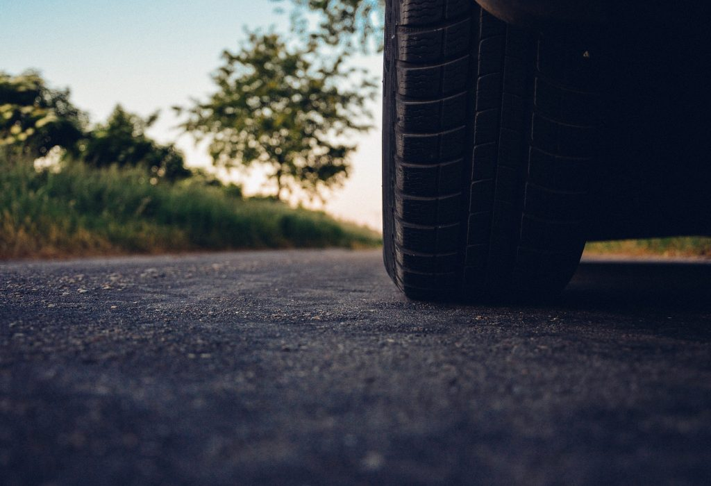 På langtur med elbilen i sommer? Få en smidig tur med våre nyttige tips